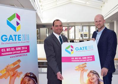 v.l.: Bankvorstand Thorsten Wolff und Veranstalter Christian Hake (geschäftsführender Gesellschafter CAT marketing GmbH) freuen sich auf eine gut besuchte Lifestylemesse am Heimatflughafen Paderborn/Lippstadt