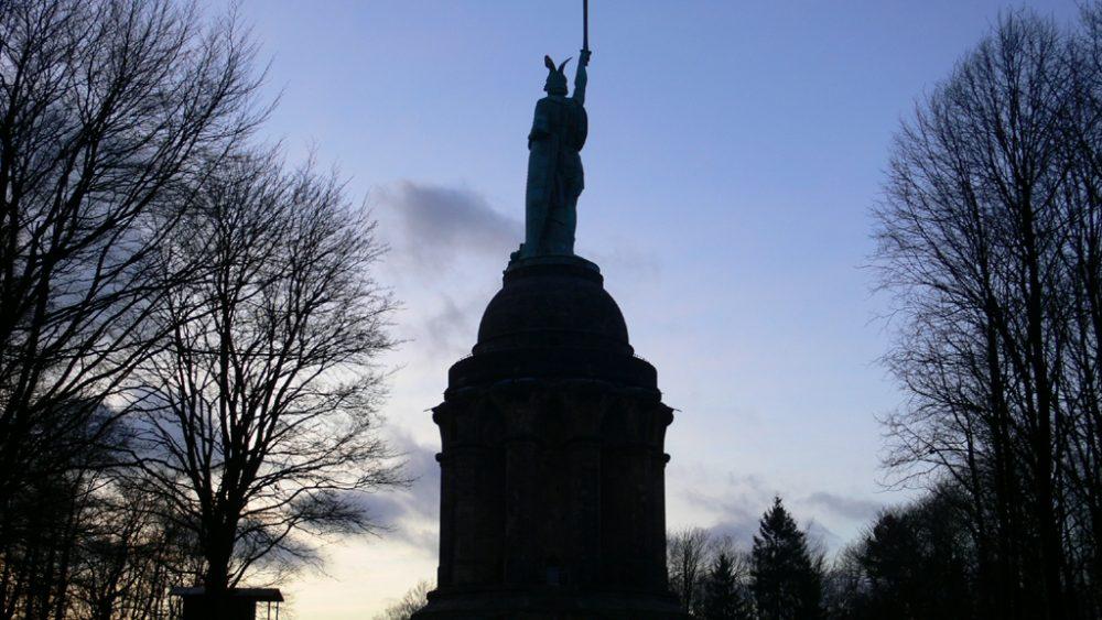 """""""Die Entdeckung der Germanen"""" - Germanenideologie und Rechtsextremismus in Deutschland"""