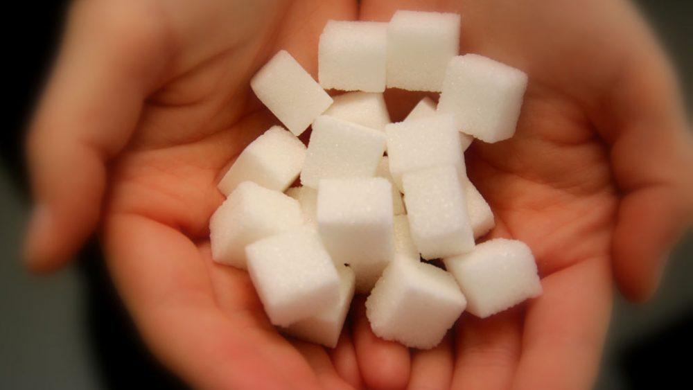 Handvoll Zuckerwürfel